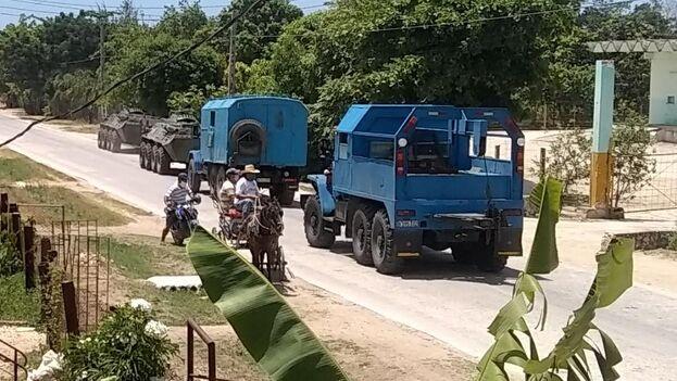 Los vecinos de los poblados El Recreo, La Púa y Monte Oscuro han sido evacuados. (Cortesía)