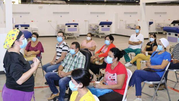 Las autoridades sanitarias panameñas sostienen que los cubanos reciben formación sobre protocolos. (La Prensa)