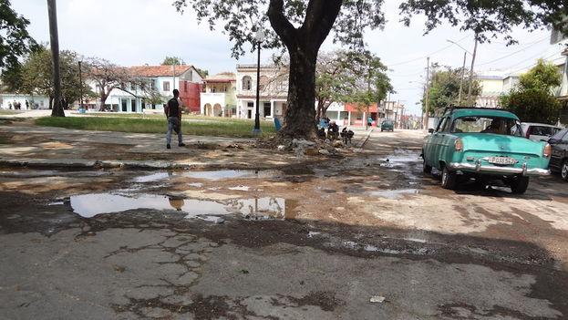 Las calles de La Habana carecen de reparaciones desde hace décadas (14ymedio)