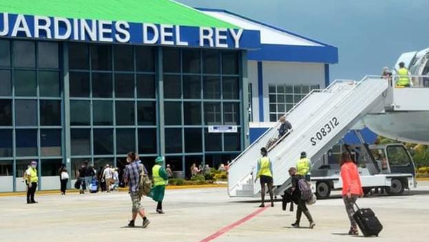 Dos canadienses dieron positivo a la prueba PCR que se practicó a su llegada al aeropuerto de Cayo Coco. (Facebook)