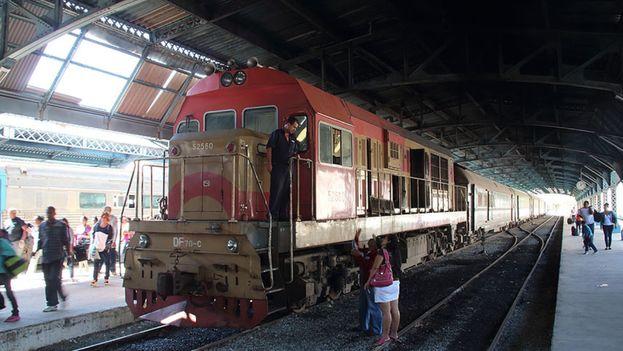 Las continúas cancelaciones de salidas del 'tren francés' agravan la situación del transporte en el período de vacaciones escolares. (Flickr)