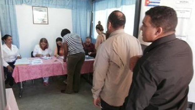 En las circunscripciones especiales fuera de Cuba la votación ya se ha producido. (Minrex)