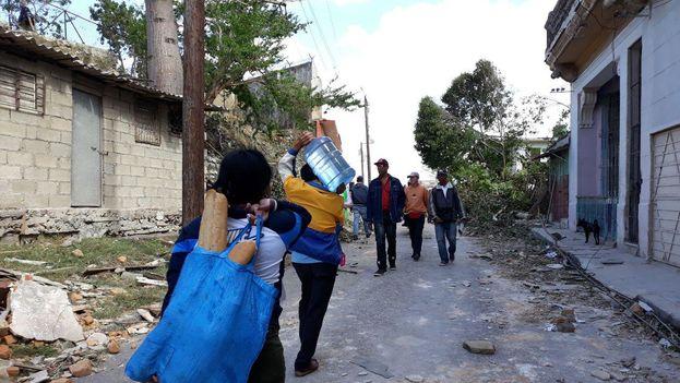 La respuesta ciudadana para ayudar a los damnificados del tornado insufla esperanzas sobre la naturaleza y capacidad de organización de la sociedad civil cubana. (14ymedio)
