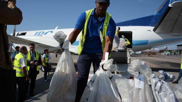 Los envíos están demorando en llegar hasta tres meses, aseguró una empleada de VaCuba. (Granma)