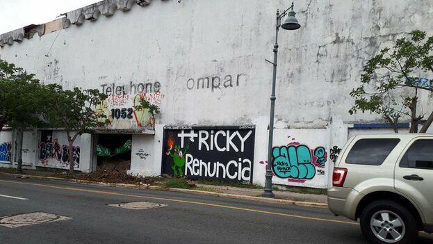 Un día después de la dimisión del gobernador las pintadas en las calles siguen recordando los largos días de reclamos. (14ymedio)