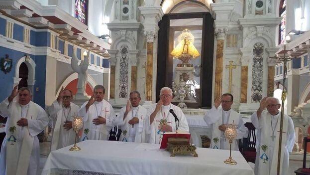 La iglesia cubana empieza a cancelar misas por el coronavirus. (Yoani Sánchez)