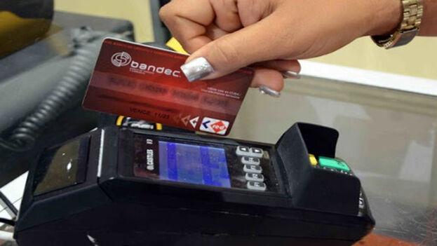 Hasta ahora, las entidades bancarias no han aclarado las razones de lo sucedido. (Radio Mambí)