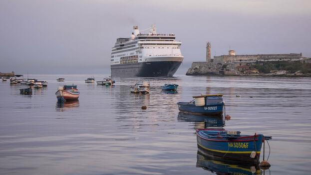 """La suspensión de los cruceros afectará a """"más de 560.000 estadounidenses en lo que resta de año"""", precisó el ministro de Turismo, Manuel Marrero. (Kuhnmi/Flickr)"""