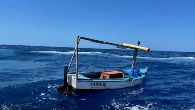 """Neiman advirtió de la peligrosidad de """"estos viajes que a menudo se realizan en embarcaciones muy poco aptas para navegar y pueden ser mortales"""". (EFE)"""