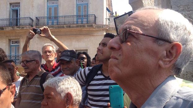 El historiador de la ciudad Eusebio Leal Spengler estuvo en el lugar aunque no pronunció ninguna palabra de bienvenida a la ceiba.