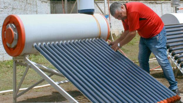 La importación de paneles solares libre de impuestos era muy demandada en el sector residencial, de negocios privados y también en las zonas rurales. (Heriberto González Brito/Trabajadores)