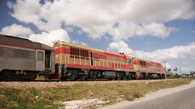La iniciativa abarca trabajos en más de 1.100 kilómetros de vía férrea y el suministro de equipos de construcción, viales y transporte. (visitarcuba.org)