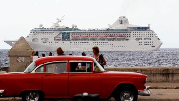 El fin de la llegada de cruceros ha sido un duro golpe para la economía de la Isla. (EFE)