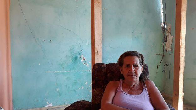 """""""Todo esto me costó años de trabajo y lo he perdido en unos pocos minutos"""", reflexionaba este lunes María Elena López. (14ymedio)"""