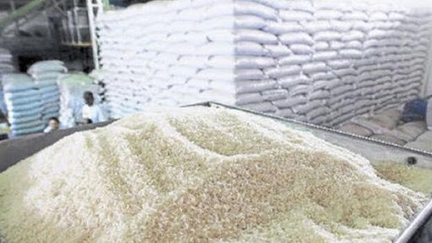 """Según el texto, el arroz nacional a la venta cuenta """"con gran aceptación en el mercado nacional e internacional"""". (TNC)"""