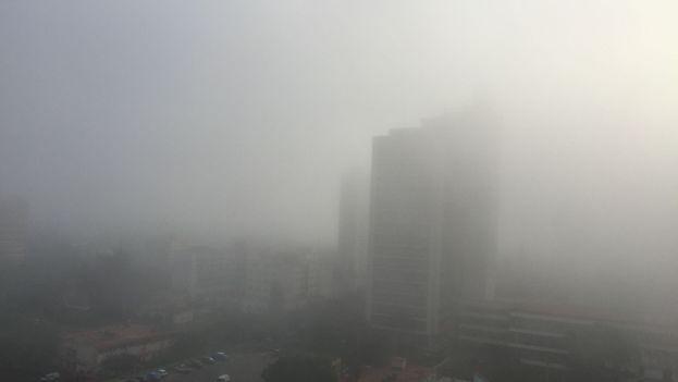 La niebla vista desde la redacción de '14ymedio'.