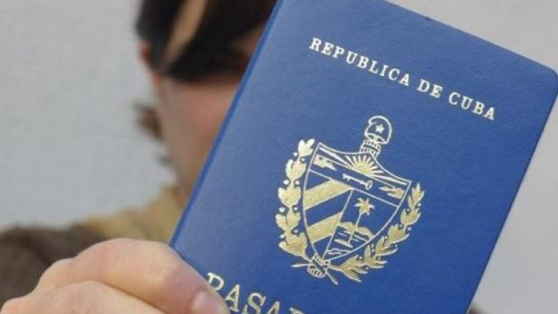 Un pasaporte cubano. (Cubanet)