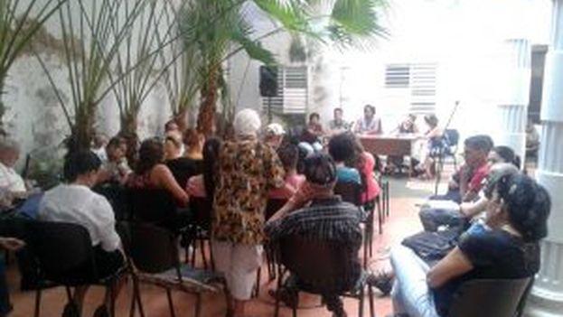 Los periodistas aprovecharon la reunión de la UPEC para quejarse de sus condiciones de trabajo. (5 de Septiembre)