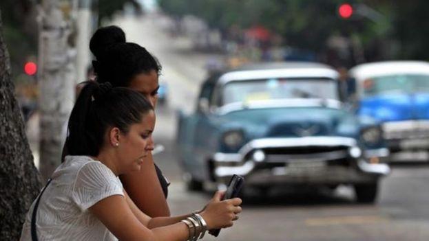 El Gobierno cumplió la promesa de llevar la conexión a los móviles en 2018 cuando apenas faltaban 25 días para que acabase. (EFE)