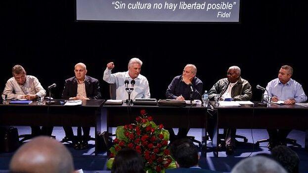 El presidente Miguel Díaz-Canel en el balance ayer del sector cultural el pasado año. (Cubadebate)