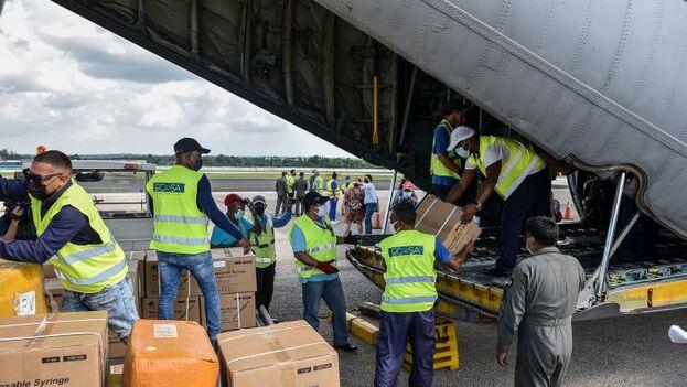 Las donaciones procedentes de Bolivia incluyen 2,5 toneladas de jeringuillas desechables. (Granma)
