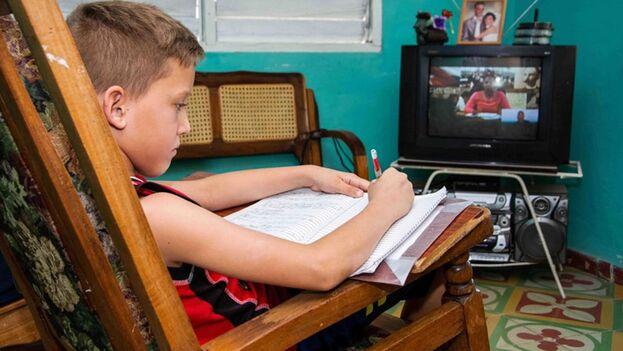 A finales de esta semana se informará la parrilla de programas que han elaborado para las teleclases, dijo la ministra de Educación. (ACN)