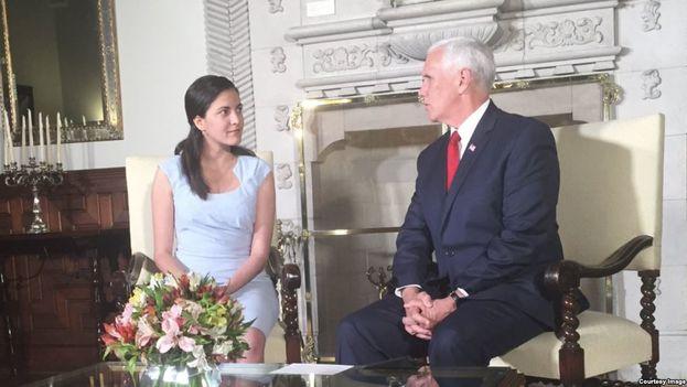 """""""Lo que quiere el pueblo cubano es libertad. Lo que quiere el pueblo cubano es decidir otro sistema"""", afirmó Rosa María Payá durante su encuentro con Mike Pence en Lima, Perú. (Cortesía)"""