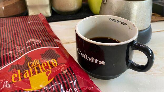 Los usuarios de las redes sociales reaccionaron con una avalancha de reproches a Cimex por vender el café en el extranjero mientras los comercios de la Isla están desabastecidos. (14ymedio)