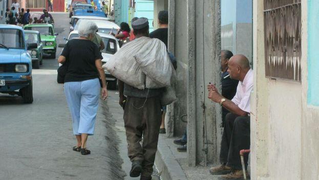 """Los recolectores de materia prima han sido advertidos de """"no aparecer"""" hasta que concluyan los festejos. (Yosmani Mayeta)"""