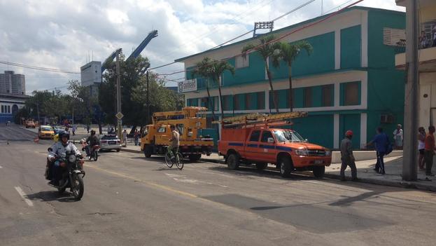 Las reparaciones en la red eléctrica que llega al estadio Latinoamericano han sido demandadas durante mucho tiempo por la fanaticada beisbolera. (14ymedio)