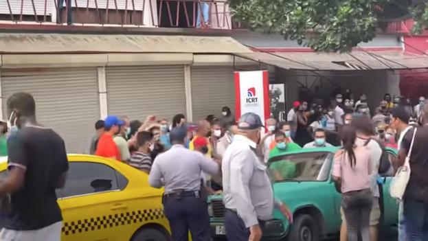 """Los reporteros oficiales lamentaron que el 11 de julio """"la prensa cubana no cubrió lo que sucedió en la calle"""". (Captura)"""