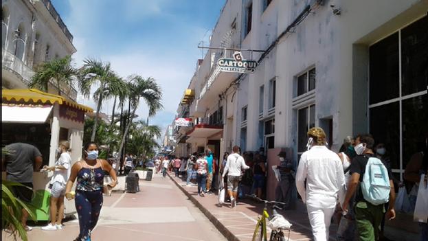 Los residentes de Cienfuegos tendrán que pensar muy bien qué hacer en su tiempo libre ya que se cierran playas, ríos y centros recreativos. (5 de Septiembre)