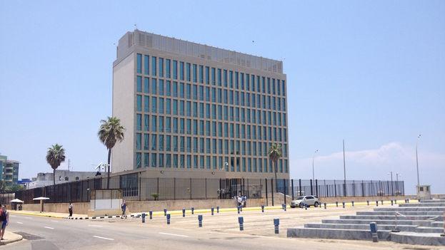 Este lunes, la hasta ayer Sección de Intereses de EE UU en Cuba (SINA) reabrió sus puertas como embajada, en medio de un ambiente de expectación