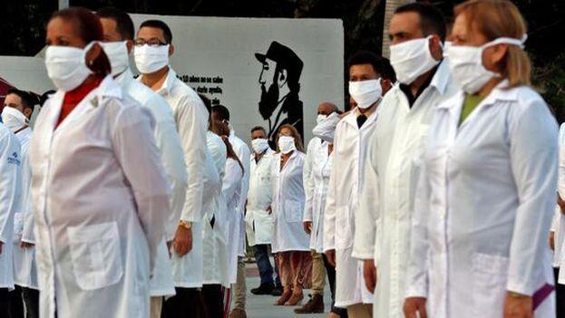 El sistema sanitario cubano real, el que nos toca a los cubanos de a pie, dista mucho de ser eso que se vende al mundo, y no es más que una farsa que no suple las carencias de la población. (EFE)