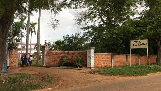 Tras el incidente las clases se mantienen suspendidas en el instituto politécnico de construcción civil Olo Pantoja. (14ymedio)