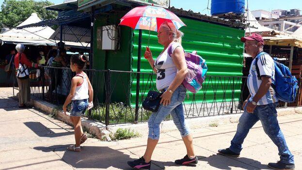 Este domingo las temperaturas máximas que marcaron los termómetro en Cuba oscilaron entre 32 y 35 grados Celsius. (14ymedio)