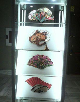 Abanicos en la exposición 'De Cuba a Cádiz'. (14ymedio)