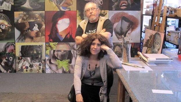 Los pintores Aldo Menéndez y su esposa Ivonne Ferrer en su estudio. (Cortesía)