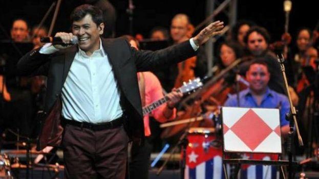 Álvaro Torres cantando en La Habana en el 2013. (Álvaro Torres)