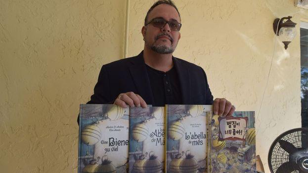 Andrés Pi se ha alzado con el premio por 'La abeja de más', que ha sido traducida a 13 idiomas. (EFE)