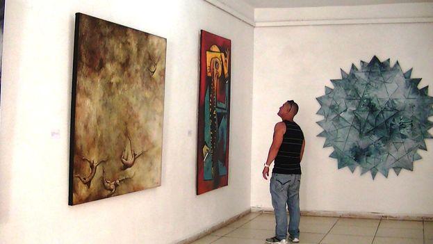 Salón de Artes Visuales Fidelio Ponce, celebrado en Camagüey. (14ymedio)