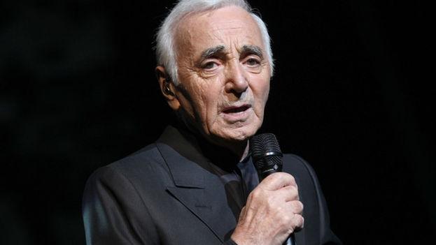 Aznavour en una actuación en Argentina en 2017. (Flickr)