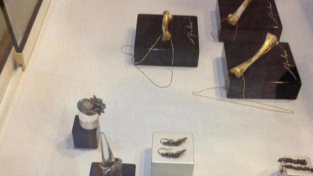 Detalle de las joyas de la exposición. (Zunilda Mata)