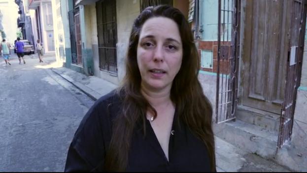 Tania Bruguera en el vídeo de recaudación de fondos para el Instituto Internacional de Artivismo Hanna Arendt