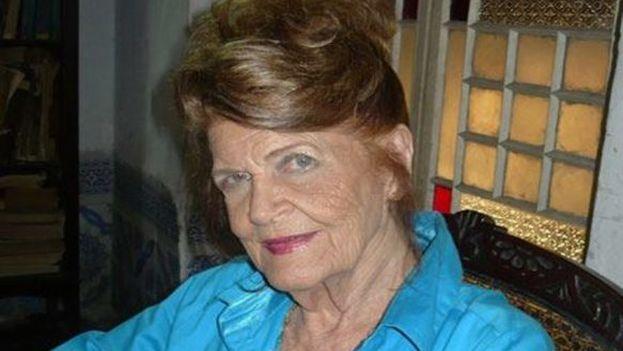 Carilda Oliver Labra fue Premio Nacional de Literatura en 1997. (escritores.org)