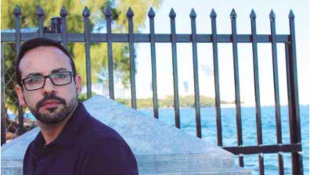 El poeta Carlos I. Naranjo-Pacheco acaba de publicar 'Copos en la piel'. (Ed. Betania)