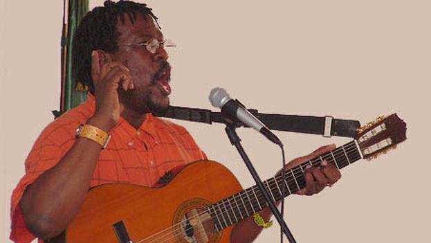 Alberto Tosca se graduó de música y canto en el Conservatorio de Superación Profesional Ignacio Cervantes. (DCubanos)
