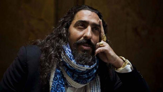 """El cantante de flamenco Diego """"El Cigala"""" posa durante una entrevista. (Emilio Naranjo / Efe)"""