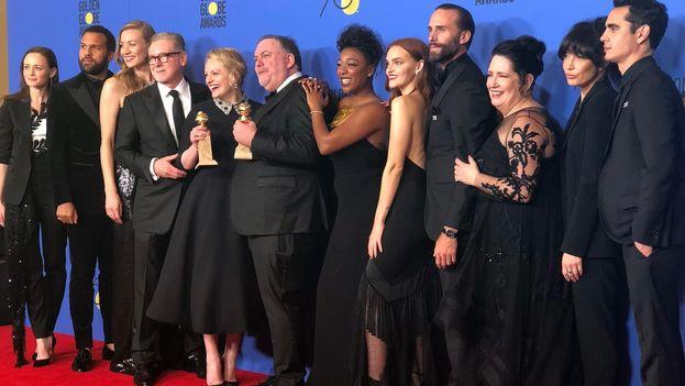 Equipo de 'The Handmade's Tale', ganadora del Globo de Oro 2018 a la mejor serie dramática. (@goldenglobes)