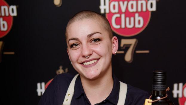 La francesa Ninon Fauvarque se convirtió hoy en La Habana en la primera mujer que gana el XII Grand Prix Internacional de Coctelería de Havana Club. (Cortesía)